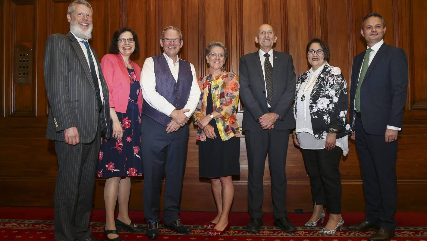 Climate Change Commission Committee members: Dr Rod Carr, Catherine Leining, Professor James Renwick, Professor Nicola Shadbolt, Dr Harry Clark and Lisa Tumahai pose with Minister for Climate Change James Shaw after the announcement.